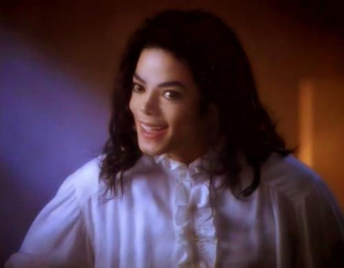 Inner michael whats in a little ghosts story michael jackson freerunsca Image collections